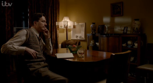 Bletchley circle s2 e1 knitted waistcoat